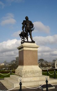 Statue of Drake on Plymouth Hoe