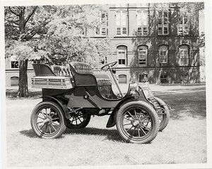 Cadillac, 1903 (courtesy the Smithsonian).